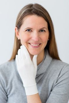 Shop now for adult gloves for psoriasis & eczema on hands. Find soothing relief with TENCEL & zinc fabric for knuckle, wrist, palm or nail psoriasis & eczema. Causes Of Cellulite, Cellulite Cream, Reduce Cellulite, Anti Cellulite, Cellulite Exercises, Thigh Cellulite, Cellulite Workout, Eczema On Hands, Psoriasis On Hands
