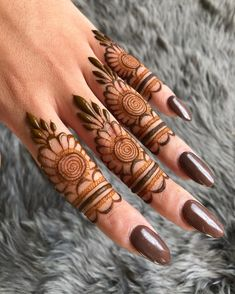 Mehndi henna designs are always searchable by Pakistani women and girls. Women, girls and also kids apply henna on their hands, feet and also on neck to look more gorgeous and traditional. Henna Hand Designs, Dulhan Mehndi Designs, Mehndi Designs Finger, Floral Henna Designs, Legs Mehndi Design, Mehndi Designs For Girls, Modern Mehndi Designs, Mehndi Design Pictures, Mehndi Designs For Fingers