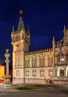 Câmara Municipal de Sintra by Joe Daniel Price. .