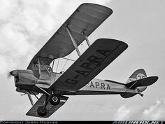tiger moth biplane on which spitfire pilots were trained.