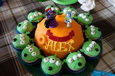 A Lil Frosting: A Buzz Lightyear Birthday Party Toy Story Party, Toy Story Birthday, Alien Cake, Buzz Lightyear, Frosting, Birthday Parties, Light Year, Desserts, Kids