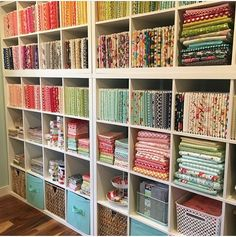 Sewing room setup shelving 46 Ideas for 2019 Sewing Room Design, Sewing Room Storage, Craft Room Design, Sewing Spaces, Sewing Room Organization, My Sewing Room, Craft Room Storage, Fabric Storage, Sewing Rooms