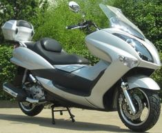 7 best wheels down images on pinterest mopeds motor scooters and 300cc 4 stroke moped scooter fandeluxe Choice Image