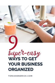 Small business organization can be a struggle. If you're looking for small business organization ideas, click through. You'll find 9 super easy ways to to organize your busines. Business Credit Cards, Business Money, Business Goals, Business Entrepreneur, Business Management, Business Tips, Online Business, Small Business Organization, Finance Organization