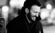 from Chris' new film Before We Go. CAN'T EVEN. I feel like this entire movie was just Chris Evans being Chris Evans which means IT WAS AMAZING.