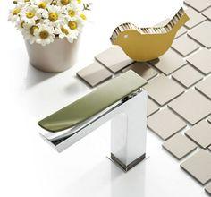 ¡Huele a primavera! Y este grifo original y minimalista nos lo recuerda. #griferías #minimalista #arquitectura