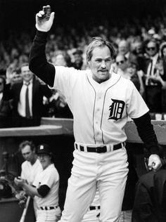 Kirk Gibson greets the crowd after an Opening Day homerun on April 7, 1986