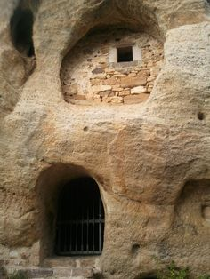 Iglesia rupestre de Arroyuelos, en Valderredible   Cantabria   Spain