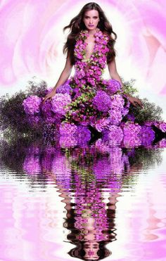 woman in purple gif Purple Love, All Things Purple, Beautiful Gif, Beautiful Flowers, Only Love Is Real, Purple Pages, Beau Gif, Mode Glamour, Amazing Gifs