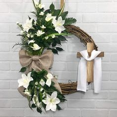 01 Small Spring Wreaths For Front Door Decor Ideas Greenery Wreath, Grapevine Wreath, Easter Religious, Religious Cross, Spring Front Door Wreaths, Spring Wreaths, Cross Wreath, Crosses Decor, Easter Wreaths