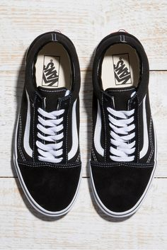 Laid back skater meets urban king in these cheeky Vans.