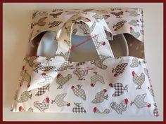 Porta torte in cotone fantasia galline e a pois bianchi, by fattoamanodaTati, 20,00 € su misshobby.com