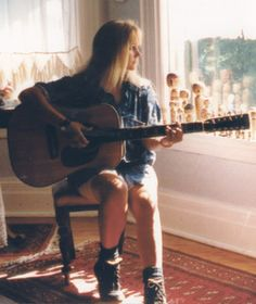 Eva Cassidy...learned about her music in a novel I read...her voice makes me happy  and calm *sigh*