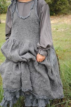 les chiffons de pucerone - Page 9 - les chiffons de pucerone Romantic Outfit, Romantic Clothing, Romantic Fashion, Boho Fashion, Fashion Outfits, Mode Boho, Cool Style, My Style, Kinds Of Clothes