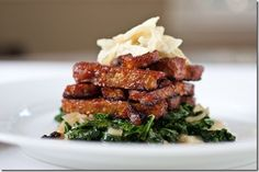 Lazy Lunch: Easy BBQ Tempeh & Tangy Power Greens - The Chic Life; add cauliflower puree for a creamy consistency