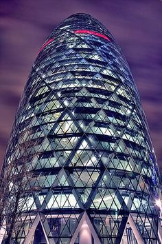 """30 St Mary Axe (better known as """"the Gherkin"""") – London, UK"""