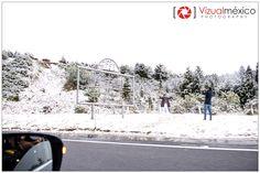 Gente disfrutando la #marquesa con #nieve hoy miércoles 13 de enero del 2016 #fotografia #vizualmexico #Toluca  #Mexico