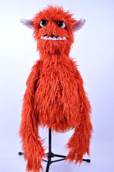 Awesome monster puppet. I want! Just for fun.