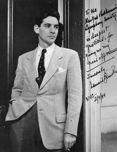 Leonard Bernstein, photographed by Herman Landshoff for Harper's Bazaar (January Disco Funk, Leonard Bernstein, Paley Center, Music Composers, Conductors, Classical Music, Black And White Photography, Music Artists, Suit Jacket