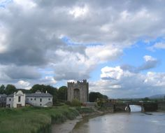 Bunratty castle from the highway