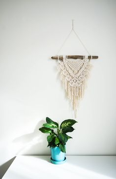 Macrame Driftwood Wall Hanging - Large (modern fringe pattern, cotton on driftwood) by MyLittleHabitatStore on Etsy https://www.etsy.com/au/listing/535167071/macrame-driftwood-wall-hanging-large