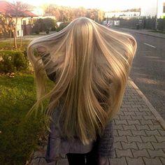 W końcu polska złota jesień  #longhair #verylonghair #blondlonghair #blondhair #blondehair #blonde #blondeme #haircare #hairobssesed #hairmodel #hairstyle #rapunzel #longhairedontcare #longhairexpert #autumn #włosy #wlosomaniaczka #włosomaniaczka #długiewłosy