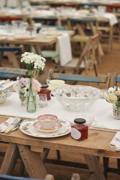Vintage table - Festival wedding dining
