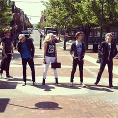 R5 LOUD Tour. Left to right : Rocky, Riker, Rydel, Ratliff, and Ross.