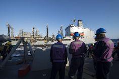 MEDITERRANEAN SEA (Aug. 14, 2016) - USS Carney (DDG 64) prepares to take on fuel…