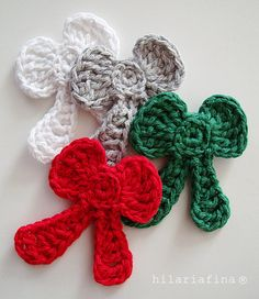 by hf Why not use crochet applique when wrapping gifts? I'm Free Tutorial❥ 4U // http://www.pinterest.com/hilariafina/