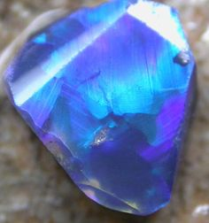 BLACK OPAL RUB SHOWING BLUE FIRE 0.75 CTS [ FR175 ]