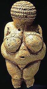 The Venus of Willendorf is a well known prehistoric artifact, and a wonderful example of Paleotlithic sculpture. Only high, it would fit nicely in the palm of your hand. Ancient Goddesses, Gods And Goddesses, Religions Du Monde, Paleolithic Art, Mother Goddess, Ap Art, Ancient Art, Wicca, Archaeology