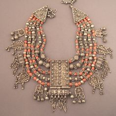 Yemen | Early 20th century silver and coral necklace.