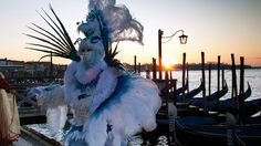 Here comes the Sun Beautiful Mask, World Best Photos, Mardi Gras, Masquerade, To Go, Lion Sculpture, Statue, Mai, Wallpaper