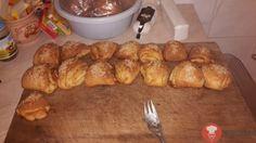 Cesnakové trojuholníky Pretzel Bites, Ale, French Toast, Bread, Breakfast, Food, Basket, New Years Eve, Morning Coffee