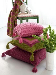 Graphic Cushions | Yarn | Free Knitting Patterns | Crochet Patterns | Yarnspirations