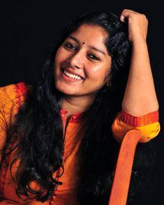 Aunty In Saree, South Indian Actress Hot, Malayalam Actress, India Beauty, Indian Actresses, Gorgeous Women, Beauty Women, Beautiful Outfits, Wonder Woman