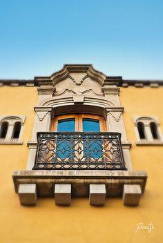 Little Balcony by Ivan Rumata, via Flickr ~ Mexico