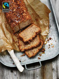 bananenbrood met lijnzaad en knapperige noten/kokos korst | ZTRDG magazine #maxhavelaar #fairtrade