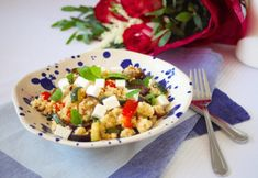 Kuskus s grilovanou zeleninou a kozím sýrem Pasta Salad, Cobb Salad, Portobello, Pina Colada, Naan, Tahini, Gnocchi, Guacamole, Hummus