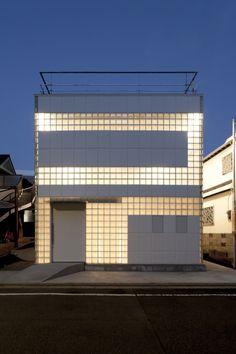 Crystal Brick Ⅱ house by Tokyo based Atelier Tekuto