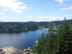 Top of the Quarry Rock Hike in Deep Cove, North Vancouver. What a gem spot! #vancouver #deepcove #vancouverhikes