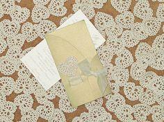 FREE SHIPPING wedding Crocheted hearts applique por VessyMidget