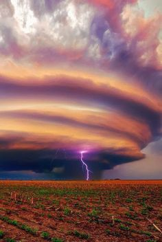Lenticular Cloud With Lightning - sky - field - purple - NATURE - photo - earth Beautiful Sky, Beautiful World, Beautiful Places, Amazing Places, Images Cools, Fuerza Natural, Dame Nature, Nature Nature, Wild Weather
