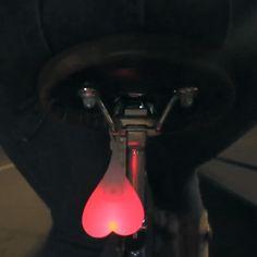 Светящаяся мошонка для велосипеда