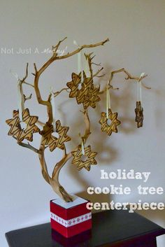 Christmas Cookie Favor Tree: great for a party - guests take one on their way out, or just a nice focal point or a dessert table