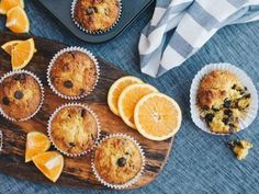 Orange Chocolate Chip Muffins Uses a whole unpeeled orange. The combination of orange and chocolate is very nice. Lunch Box Recipes, Vegan Dessert Recipes, Baking Recipes, Desserts, Orange Muffins, Baking Muffins, Chocolate Chip Muffins, Chocolate Orange, Vegan Baking