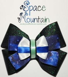 A medium inches) sized hair bow inspired by Space Mountain from the Disney Parks. This accessory includes blue and green flecked glitter and a Diy Ribbon, Ribbon Crafts, Fabric Ribbon, Disney Hair Bows, Disney Outfits, Disney Diy, Disney Crafts, Big Bows, Cute Bows