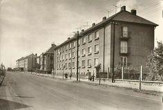 ulice Budovatelu (dnes Benešova)..pol.50.let 20.stoleti ,krizovatka s ulici Miru.