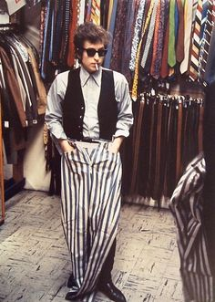 Bob Dylan does a little clothes shopping